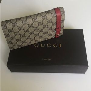 Authentic Pre-Owned Gucci Wallet w/ Leather Strap